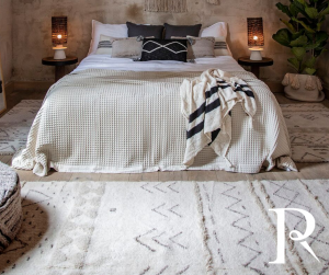 Moroccan bedroom with Lorena Canals Woolable Lakota rug