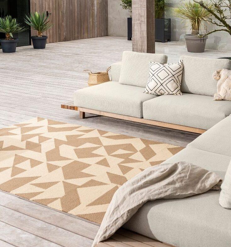Neutral geometric indoor outdoor rug