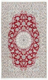Area rug with geometric design in grey