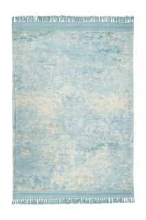 vintage style rug in blue and cream