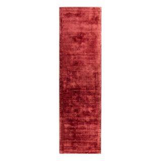 plain red runner